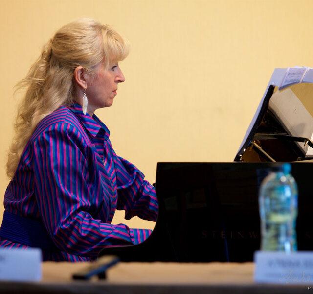 Leontina-Vaduva-Dr-Honoris-Causa_2016_51